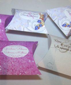 Cutiuta Pillow carton Foto Lucios